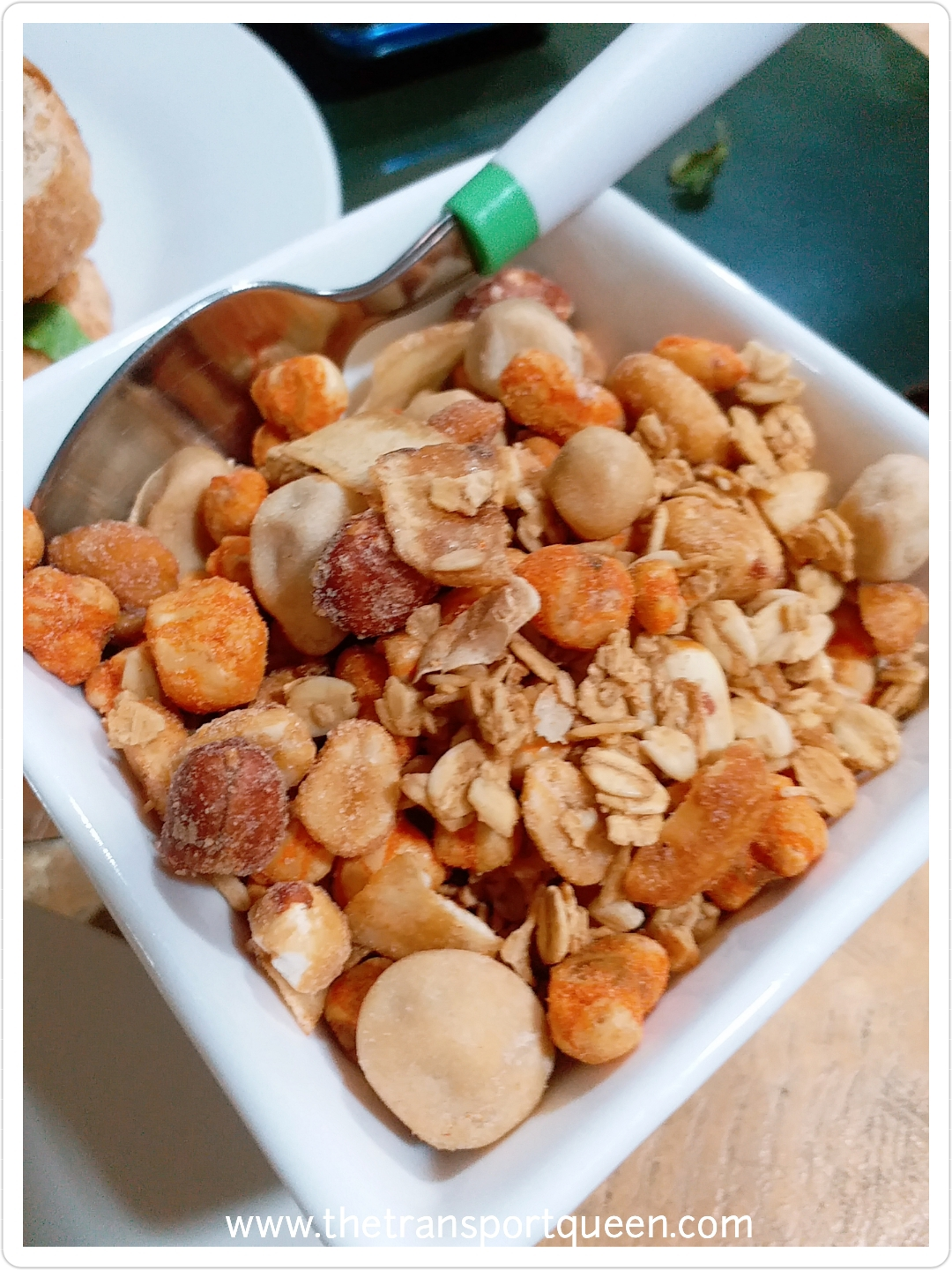 mixed nuts and oats