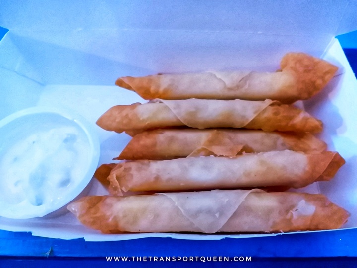 Cheese sticks with sour cream dip